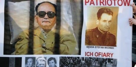90_år_mødt_med_protester_polen
