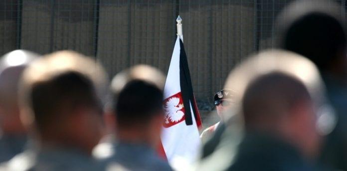 Afskedsceremoni_i_Afghanistan_for_to_polske_soldater