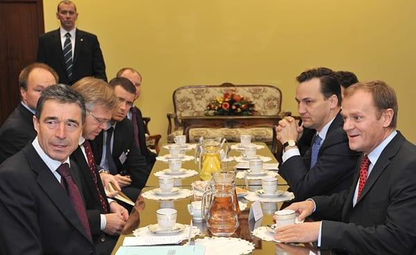 Anders_Fogh_Rasmussen_og_Radek_Sikorski_nævnes_begge_til_posten_som_NATO_chef