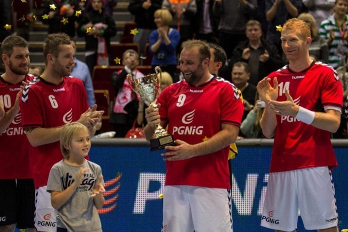 Artur_Siodmiak_takker_af_på_på_Polens_herre_landshold_i_håndbold