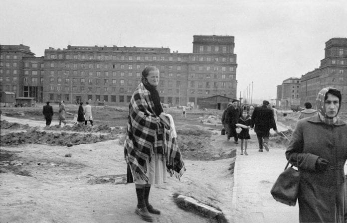 Billeder_fra_Polen_taget_i_1959_af_den_engelske_fotograf_Gerald_Howson