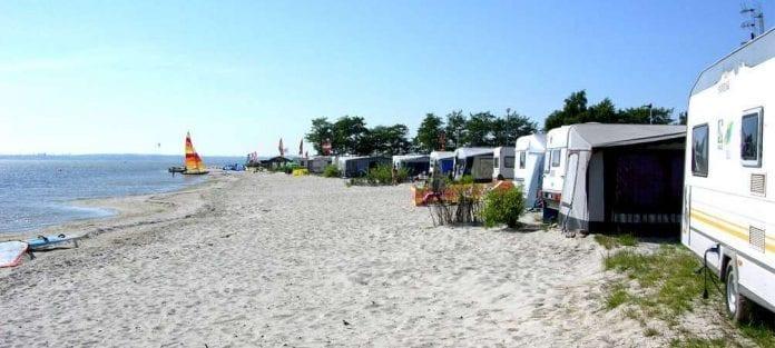 Camping_ved_strand_i_Polen_polennu
