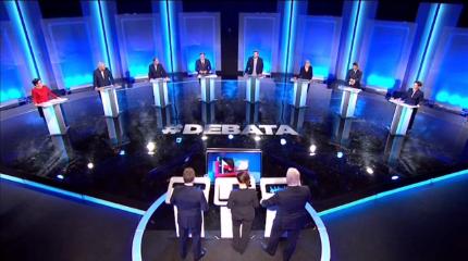 Debat_mellem_partier_før_valget_til_Parlamentet_2015_i_Polen_2