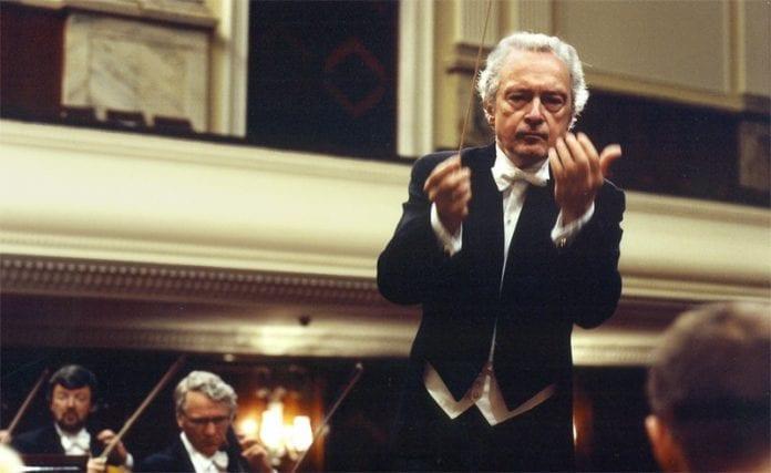 Dirigenten_Antoni_Wit_og_Warszawas_filharmoniske_orkester_hædres_af_BBC_magasin