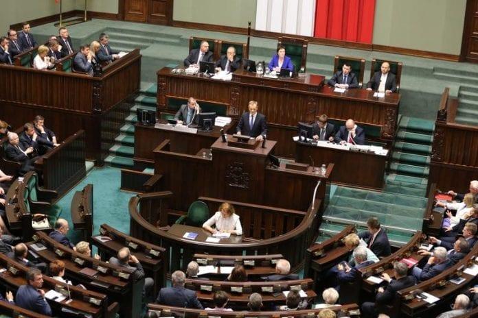 Donald_Tusk_vandt_tillidsvotum_i_Polens_parlament_Sejmen