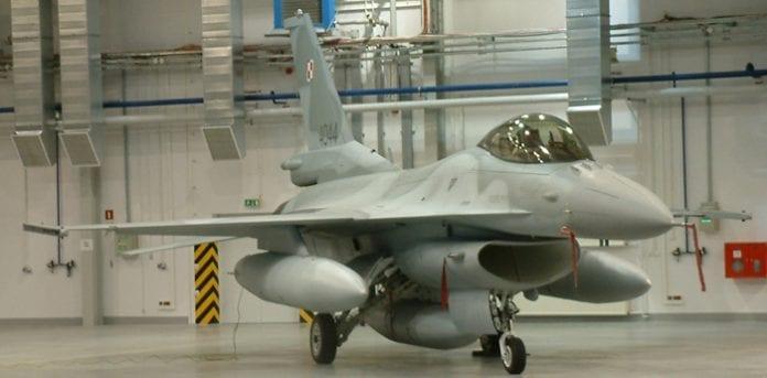 Flere_US_F-16_fly_til_Polen_polennu