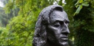 Frederic_Chopin_buste_i_Polen