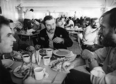 GDANSK_-_Lech_Walesa_under_en_frokostpause_i_forhandlingerne_med_myndighederne_i_august_1980