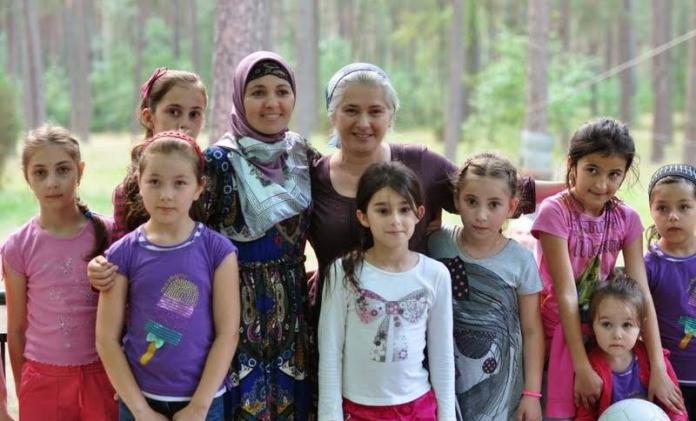 Halvdelen_af_polakkerne_vil_viser_solidaritet_med_flygtninge_polennu