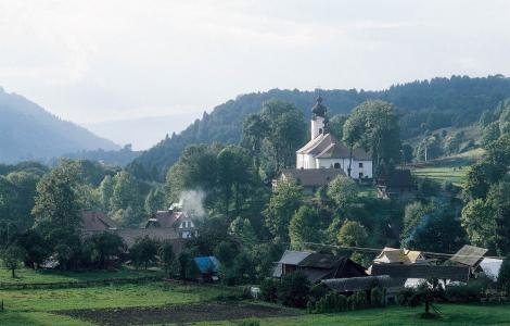 Jelenia-Gora-ligger-i-smukke-omgivelser