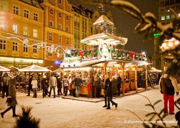 Jule_marked_i_Wroclaw_er_det_største_i_Polen