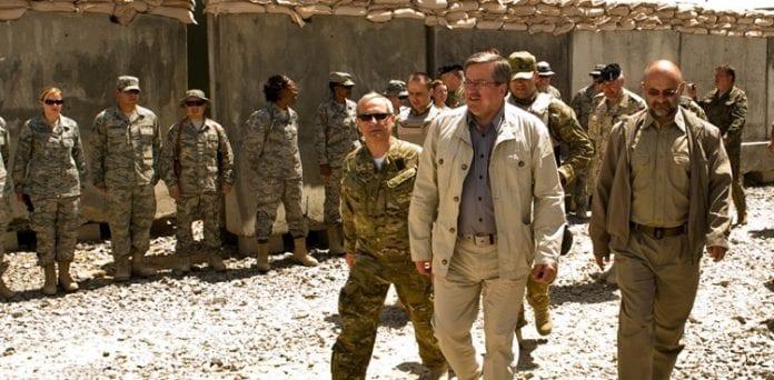 Komorowski_i_Afghanistan