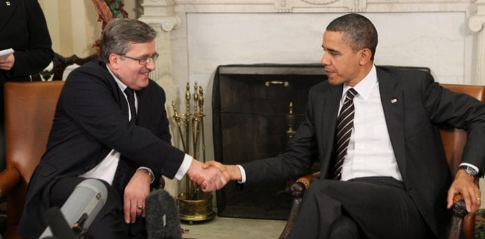Komorowski_og_Obama,_Washington_dec