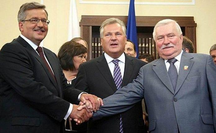 Lech_Walesa_Bronislaw_Komorowski_præsidenter_Polen