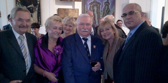 Lech_Walesa_sammen_med_sine_gæster_ved_68_års_fødselsdag