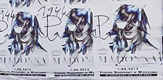 Madonna_plakater_i_Warszawa_overmalet_med_polsk_frihedssymbol_Polen_polennu