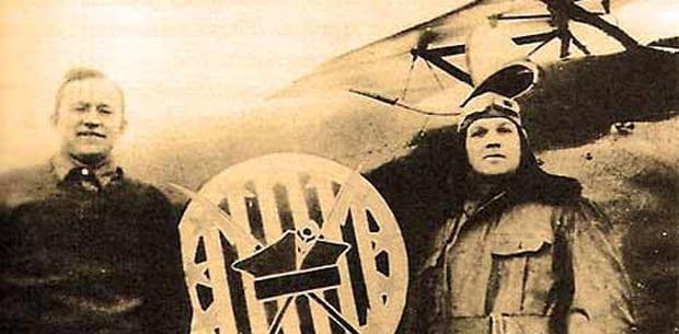 Merian_Cooper_med_sin_pilotkollega_Cedric_Fauntleroy_der_kæmpede_for_Polen_mod_Sovjetunionen_Arkivfoto