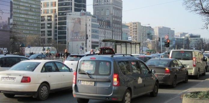 Mest_trafik-bøvl_i_Warszawa_Jens_Mørch_polennu