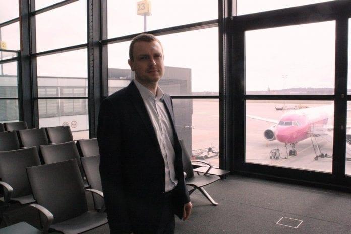 Michel_Tusk_Lech_Walesa_Airport_Gdansk_polen_poland_polennu