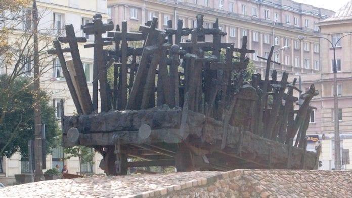 Monument_for_De_Faldne_Warszawa_polen_polennu