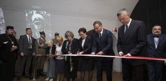 Museum_om_Katyn-massakren_åbnet_i_Polen_polennu