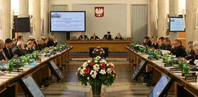 Nato_møde_Warszawa_13