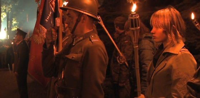 Officerens_hustru_film_om_Katyn