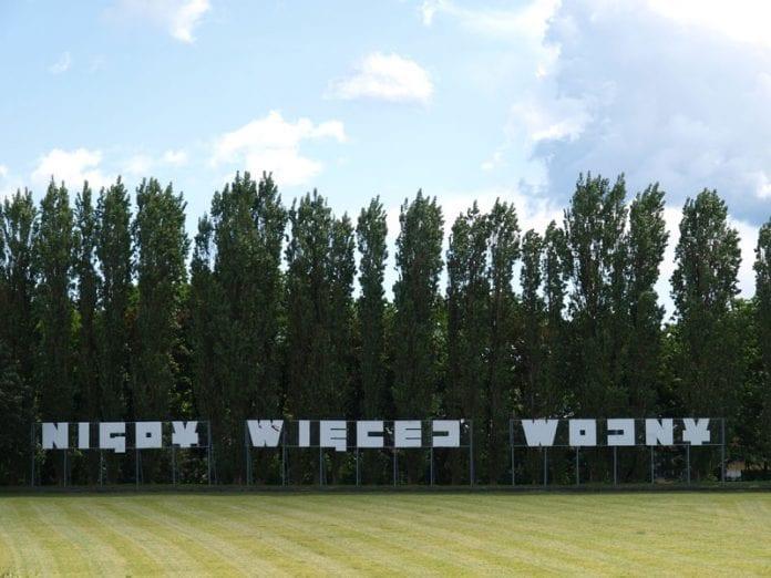 Polen-Gdansk-Westerplatte-Monument-'Aldrig-mere-krig'-foto-Martin-Bager