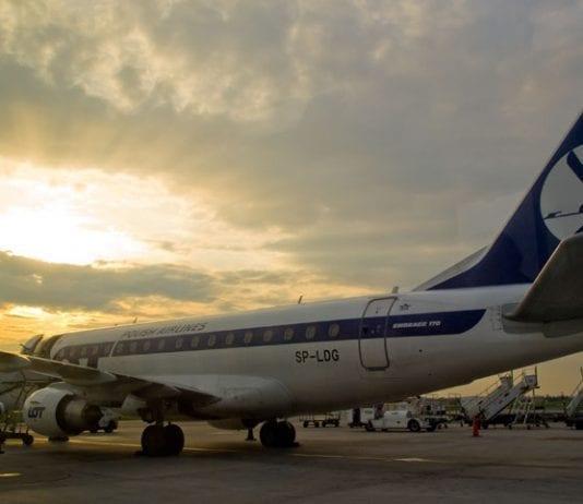 Polen_LOT_fly_til_evakuering_Martin_Bager