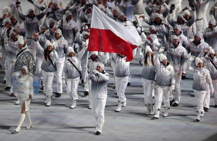 Polen_ved_inmarch_til_vinter_ol_2014_Ivan_Sekretarev
