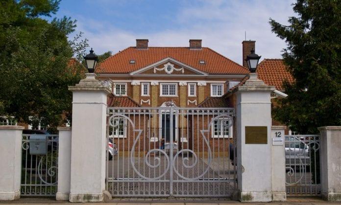 Polens-Ambassade-i-København,-Hellerup