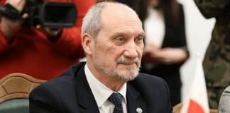 Polens_forsvarsministerium_udskiftede_chef_midt_om_natten