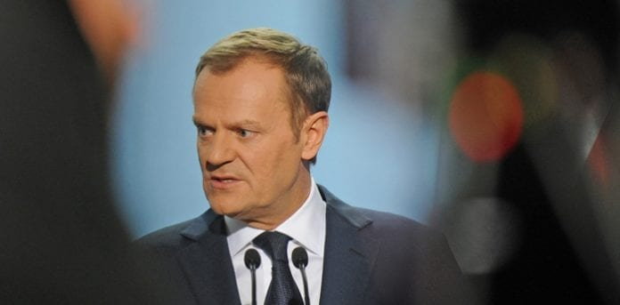 Polens_statsminister_Donald_Tusk_styrtdykker_i_meningsmålingerne_Foto_Grzegorz_Roginski,_gov