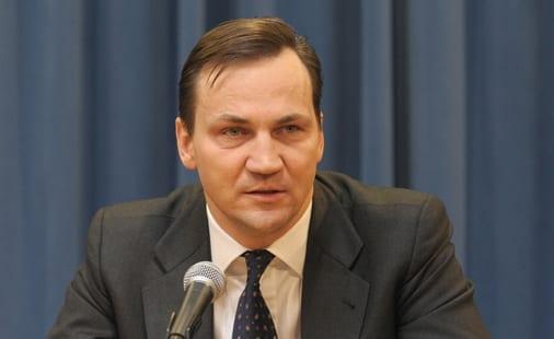 Polens_udenrigsminister_Radek_Sikorski_beder_EU_om_penge_til_Auschwitz