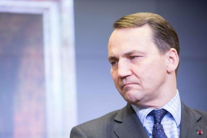 Polens_udenrigsminister_Radoslaw_Sikorski_kritiserer_Tysklands_tidligere_kansler_Gerhar_Schröder_for_sit_forhold_til_Putin_1