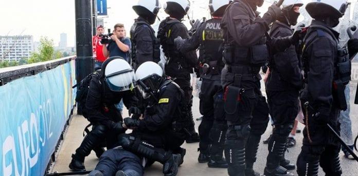 Politi_i_Warszawa_før_kampen_mod_Rusland