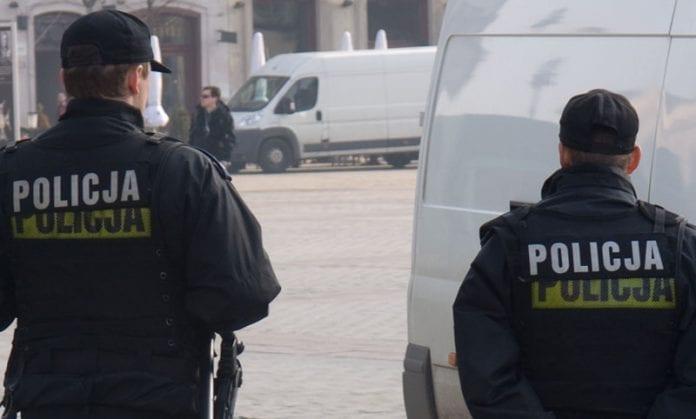 Polsk_politi_efter_skuddrama_Martin_Bager_1