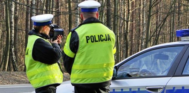 Polsk_politi_på_razzia_i_påsken_policja