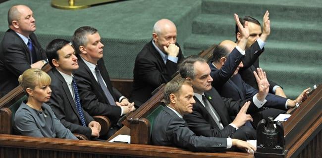 Polske_parlament_gav_en_tillidserklæring_til_den_nye_regering_under_premierminister_Donald_Tusk