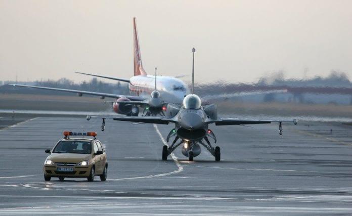Polske_tropper_overtager_kontrollen_med_den_internationale_lufthavn_i_Kabul