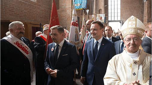 Præsident_Duda_i_Polen_fejrer_Solidarnosc_men_glemmer_Walesa_2