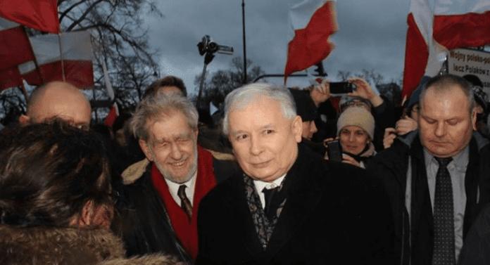 Regeringsparti_taber_opbakning_i_meningsmåling_i_Polen