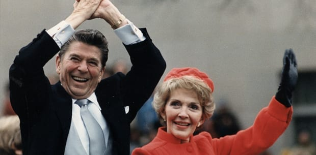 Ronald_Reagan_statue_i_Warszawa_Polen_polennu