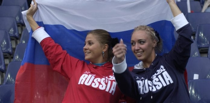 Russiske_fodboldfans_vil_marchere_gennem_Warszawa_til_EM_2012_i_fodbold_polennu_dk_Polen