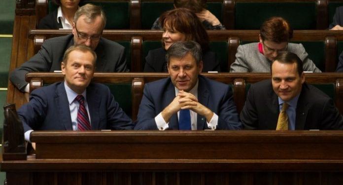 Sejmen_vedtager_finanslov_2013_Polen