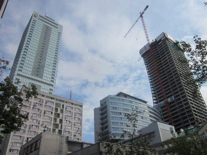 Selv_om_der_bygges_moderne_hoteller_som_aldrig_før_mangler_Polen_hotelsenge_polennu