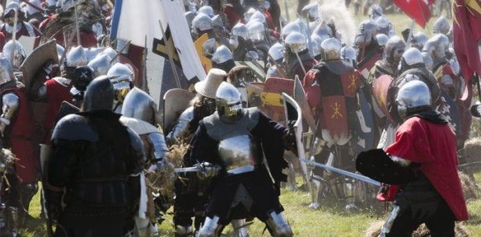 Slaget_ved_Grunwald_1410_Tannenberg_rekonstrueret_med_tusind_riddere_i_Polen_polennu