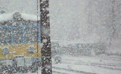 Sneen_vælter_ned_i_Polen_og_skaber_trafikkaos