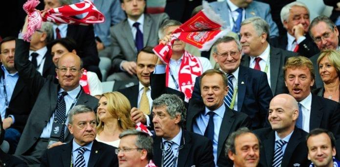 Statsminister_Donald_Tusk_til_EM_2012_fodbold_i_Warszawa_polennu