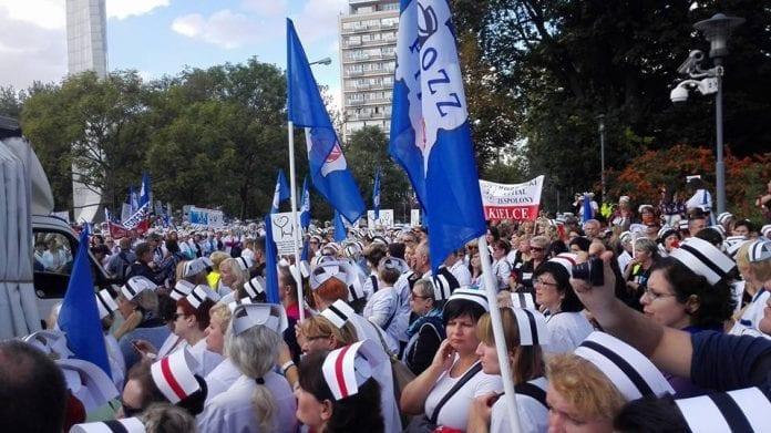 Sygeplejesker_protesterer_i_Polen_polennu